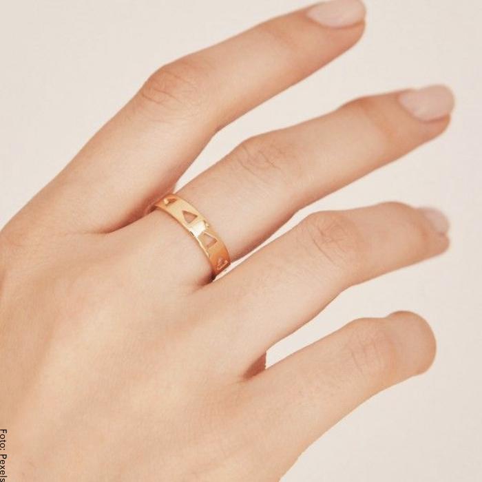 Foto de anillo de oro