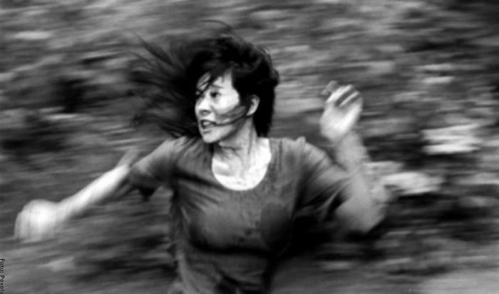 Foto de mujer corriendo