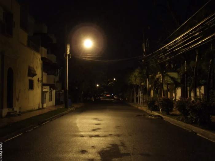 Foto de una calle oscura