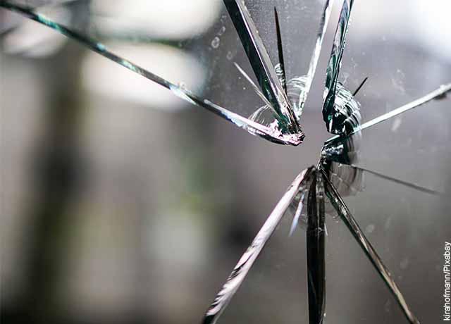 Foto de un cristal desportillado