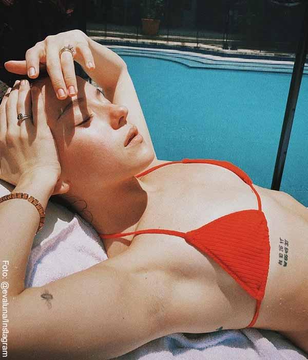 A Evaluna la criticaron por posar en bikini y le preguntaron si no era cristiana