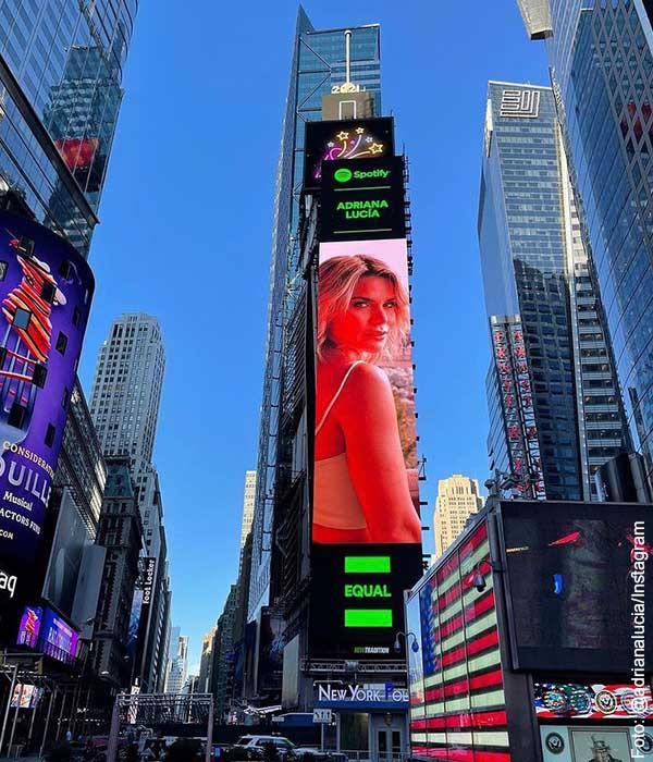 Adriana Lucía apareció en anuncio publicado en Times Square