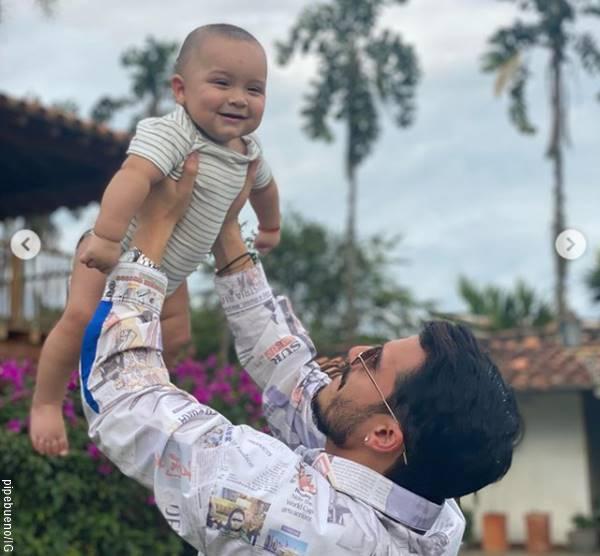 Foto de PIpe Bueno y su hijo para Algunos famosos celebraron el Día del Padre con sus fans en las redes