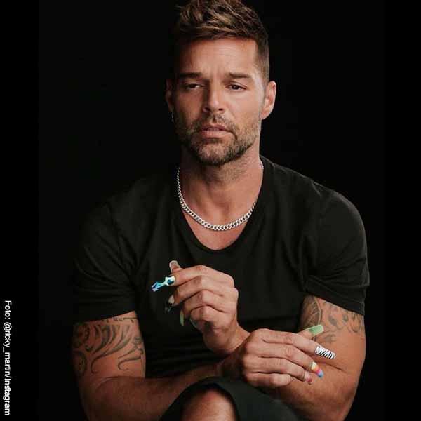 Coqueto comentario de J Balvin a Ricky Martin en día del orgullo gay