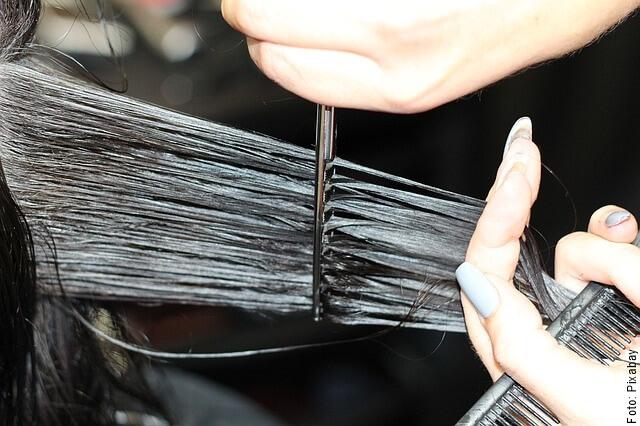 foto cortando cabello