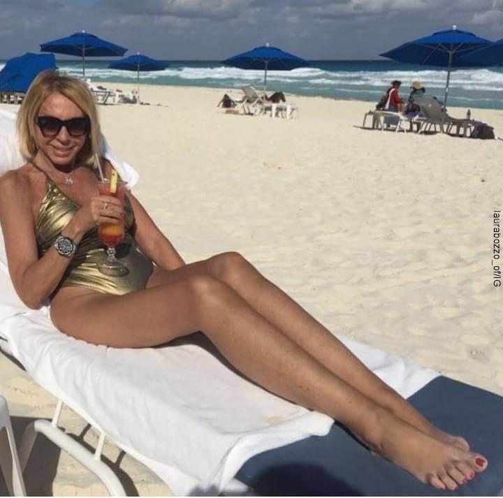 Foto de Laura Bozzo en la playa