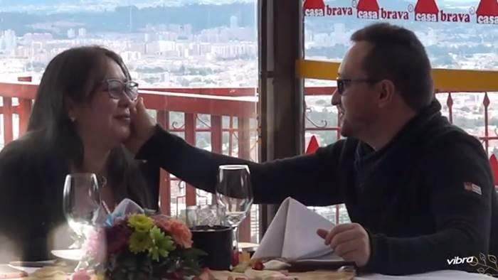 Foto de pareja en restaurante