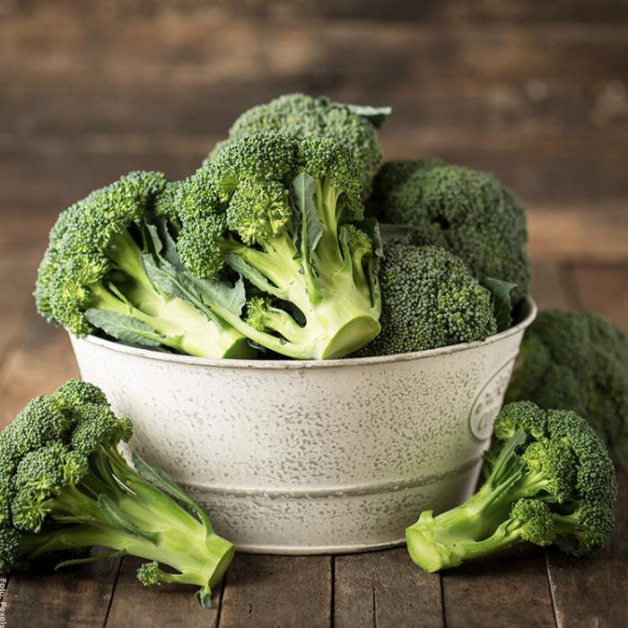 Foto de una taza de brócoli