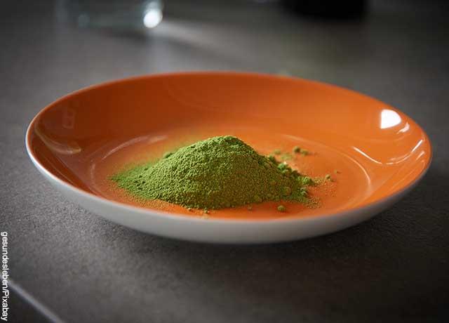 Foto de un plato de moringa molida