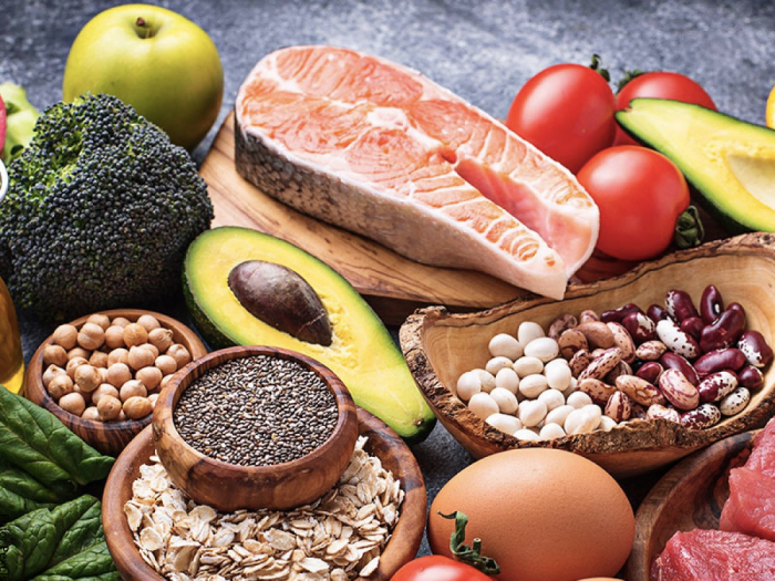 Foto de diferentes alimentos que aportan vitaminas