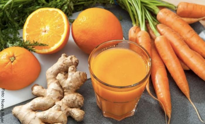 Foto de batido de naranja, zanahoria y jengibre