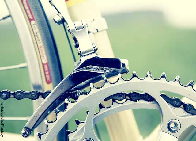 Foto de una cadena de una bicicleta