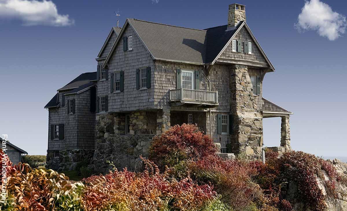 Foto de una casa campestre que muestra lo que es soñar con casa