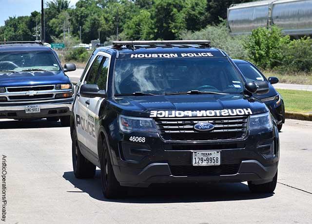 Foto de una camioneta de la policía