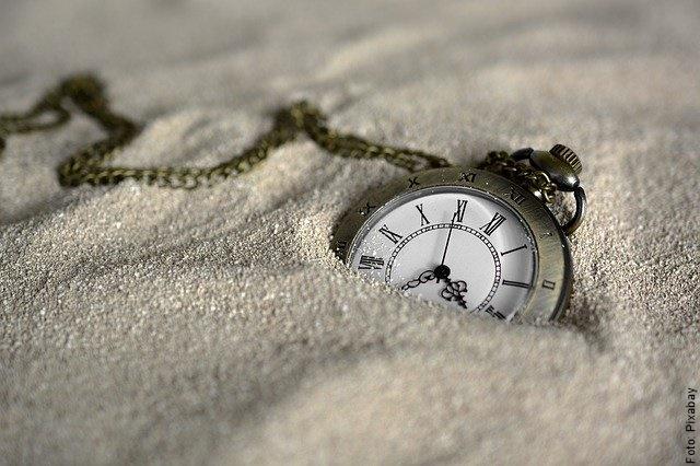 foto de reloj en la arena