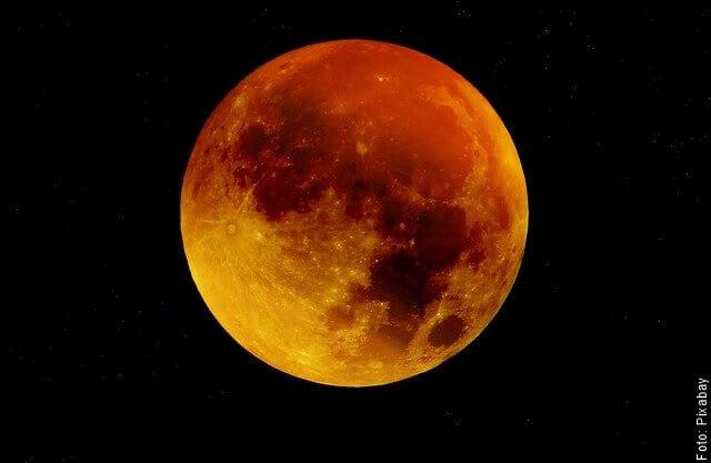 foto de luna roja