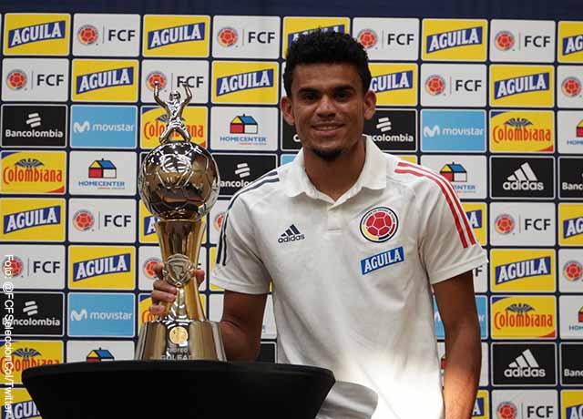 Luis Díaz recibió premio de goleador de la Copa América