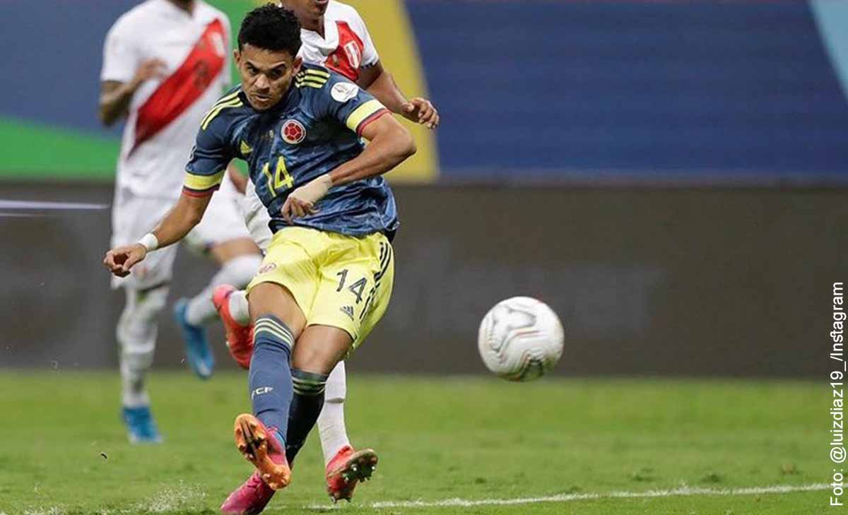 Luis Díaz volvió a su tierra y aprovechó para jugar picadito de fútbol