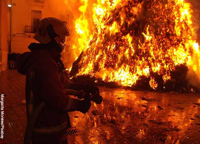 Mujer incendió casa porque su esposo era muy desordenado