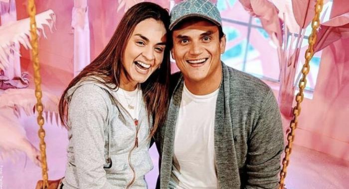 Foto de Silvestre Dangond y su esposa