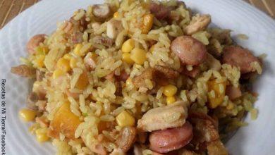 Foto de un plato de arroz paisa con su receta original