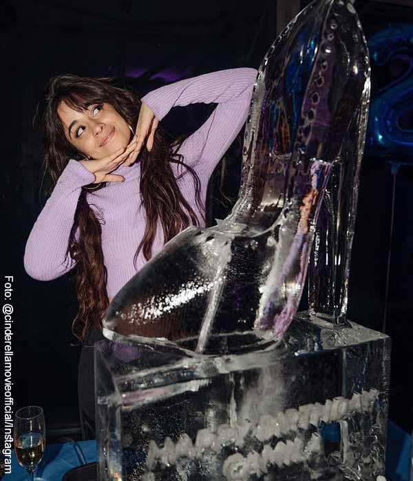 Así se ve Camila cabello en la nueva versión de la Cenicienta