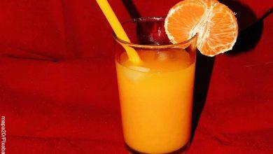 Foto de una bebida frutal que muestra cómo hacer jugo de mandarina