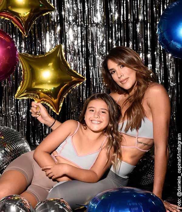 Daniela Ospina celebra 4 años de su empresa de ropa deportiva