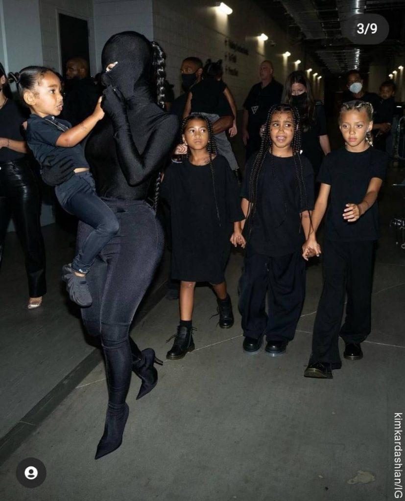 Foto de Kim Kardashian y sus hijos
