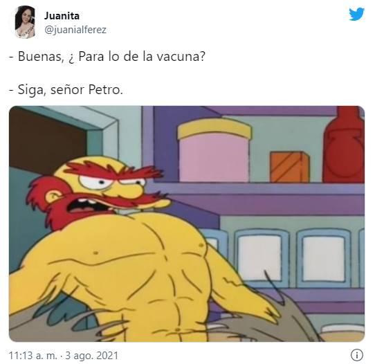 Meme a Pëtro para iluatrar los mejores memes de Petro vacunándose