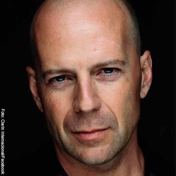 Foto del actor Bruce Willis que revela las películas de Bruce Willis