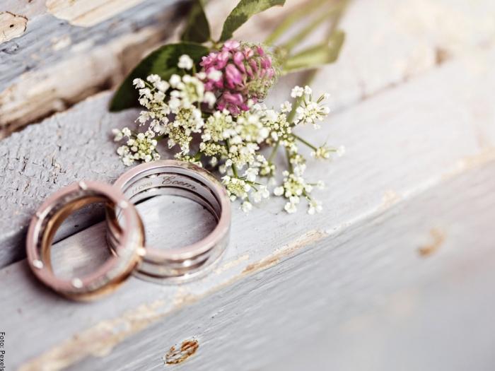 Foto de anillos de matrimonio