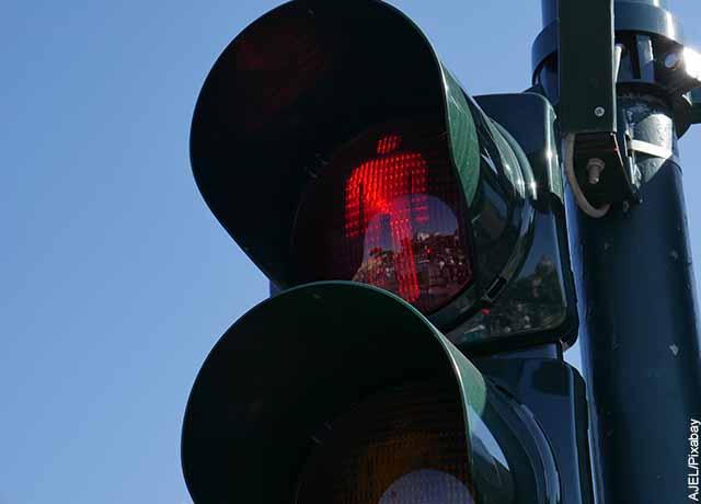Foto de una luz peatonal