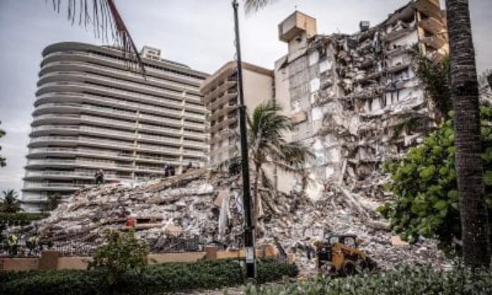 Foto de derrumbe de edificio