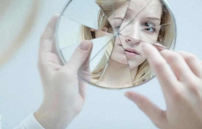 Foto de espejo roto