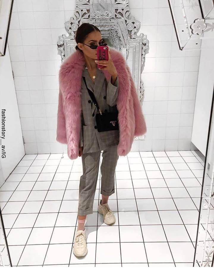Foto de mujer con sastre