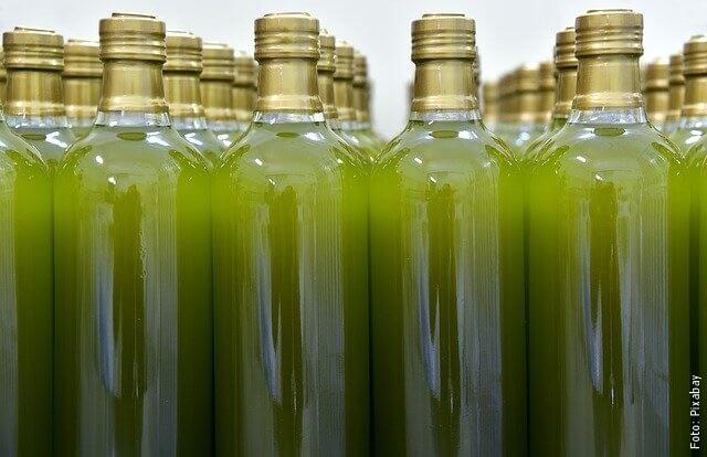 foto de frascos de aceite de oliva