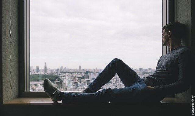 foto de hombre pensando
