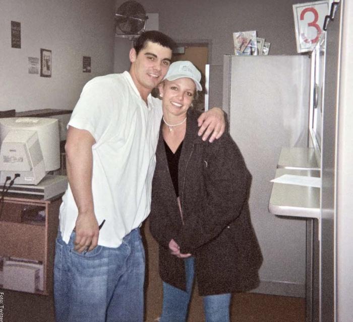 Foto de Britney Spears y Jason Alexander