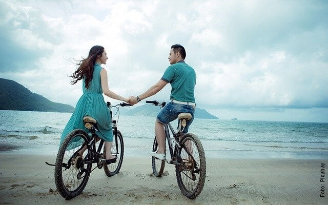 foto de pareja en la playa