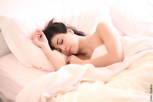 foto de mujer durmiendo