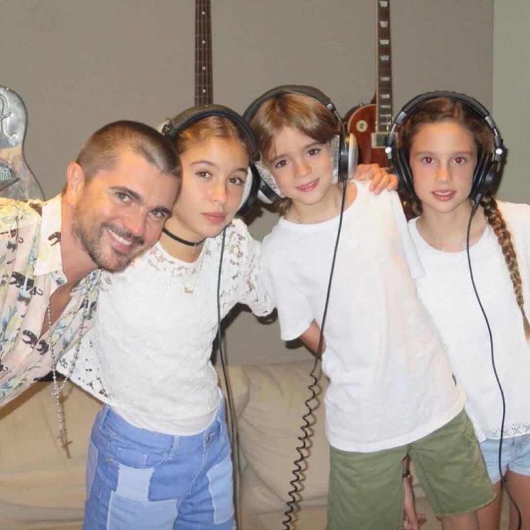 Foto de Juanes con sus hijos