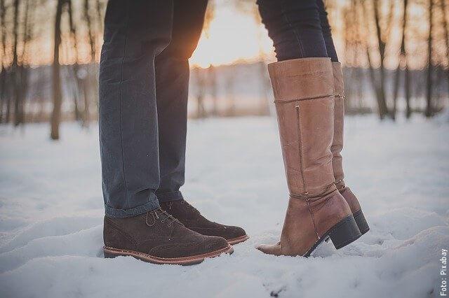 foto de pies de una pareja