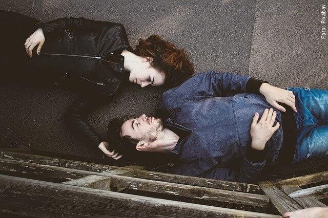 foto de pareja feliz