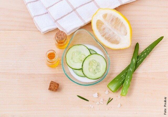 foto de pepino y limón